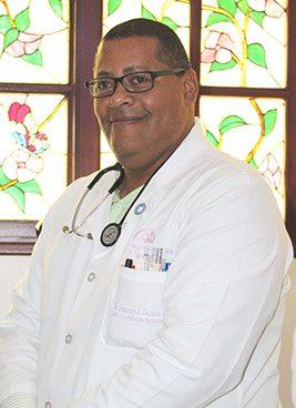 Dr.-Domingo-Santana,-Medico-Internista,-ext.-5252,-suite-208
