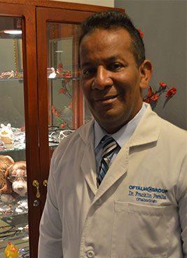 Dr.-Franklin-Peralta--Oftalmologa,-Ext.-4516,-suite-508
