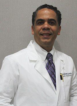 Dr.-Guillerno-Santos-Cirujano-Maxilofacial,-Ext.7334,-Suite-7334