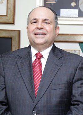 Dr.-Ramon-Espinal-,-Gineco-Obstetra