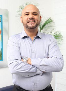 Ruben-Rodriguez,-Cirujano-Maxilofacial