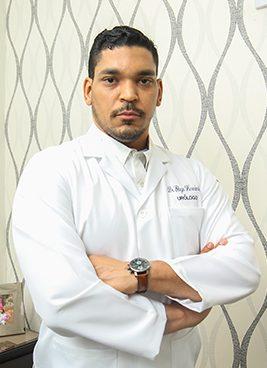 Dr.-Elvin-Hernandez,-Urologo